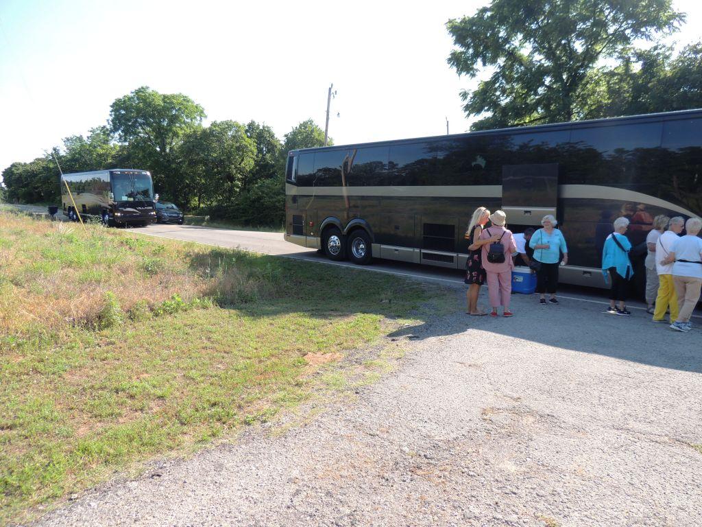 tour-2-buses